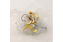 Bomboniera Con Bouquet In Porcellana